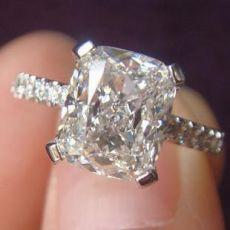 莫桑钻异形钻怎么挑选?魔星钻公主方好吗