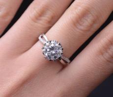 铂金钻石首饰款式都有哪些?
