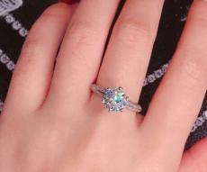 买结婚钻戒哪些款式是经典耐看的?