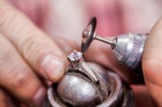 莫桑钻值得买吗?比利时魔星钻值得买吗?